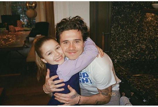 S nejstarším bratrem Brooklynem (21)