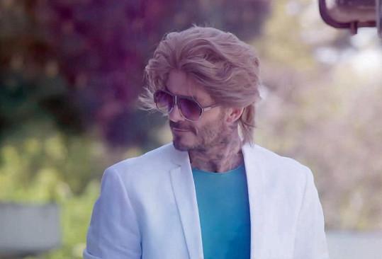 David Beckham a jeho zaručeně nejhorší účes.