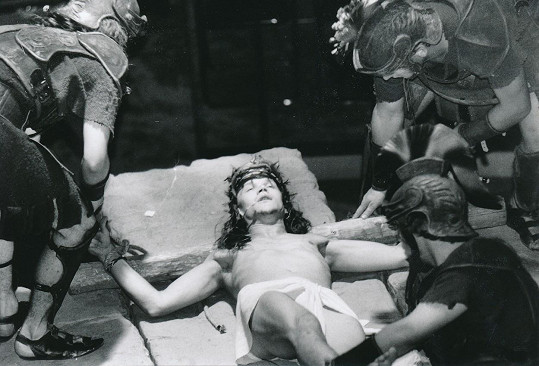 Dan Bárta v muzikálu Jesus Christ Superstar, kde hrál nejen Jidáše, ale i Ježíše (na snímku).