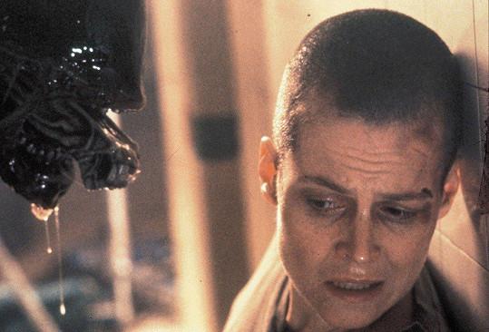 Sigourney Weaver si sama oholila hlavu pro třetí pokračování Vetřelce.