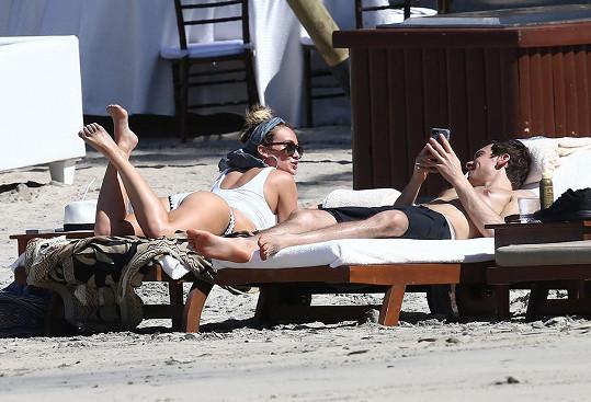 Hilary a Matthew prověřili společnou dovolenou vztah hned v začátcích...