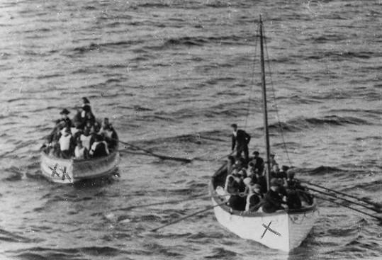 Osudy čínských přeživších byly veřejnosti lhostejné.