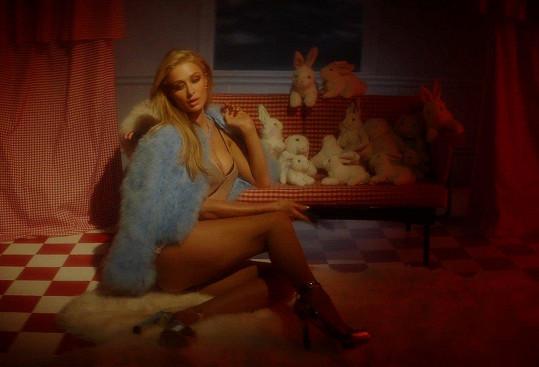 Paris Hilton v sexy kalendáři