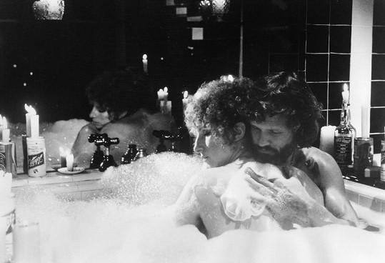 Barbra si zahrála ve filmu z roku 1976. Na snímku s Krisem Kristoffersonem.
