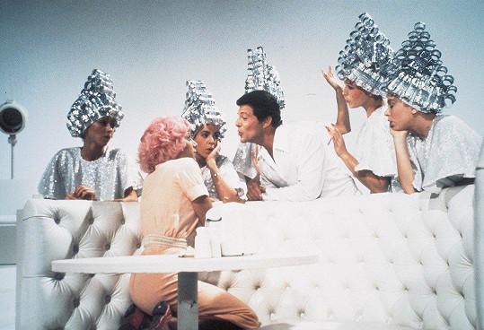 Didi Conn jako Frenchy s růžovými vlasy