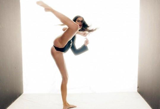 Při natáčení zúročila své sportovní dovednosti.