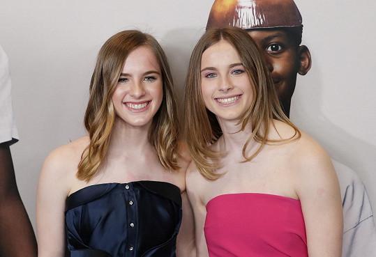 Noelle a Cali Sheldon vyrostly do krásy.