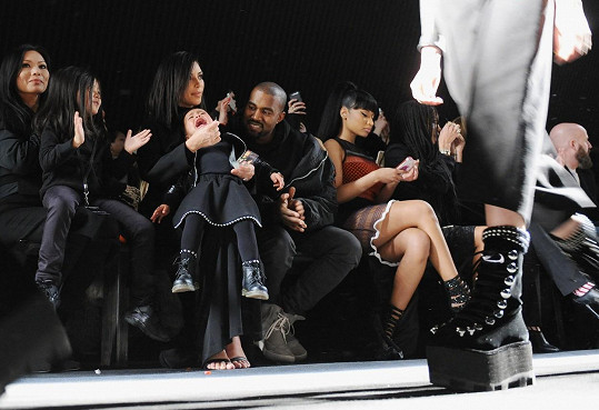 Nicki Minaj se raději o pár dní později směrem k řevu ani nedívala.