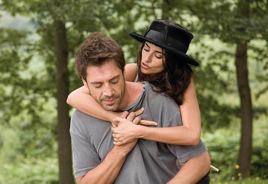 Ve filmu Vicky Cristina Barcelona (2008) si zahrála s budoucím manželem Javierem Bardemem.