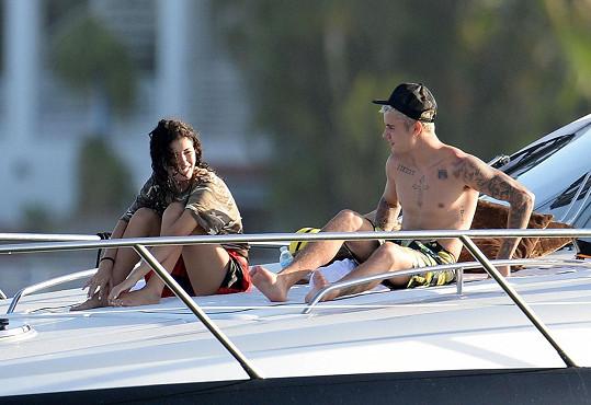 Rodríguez s Justinem Bieberem loni na jachtě