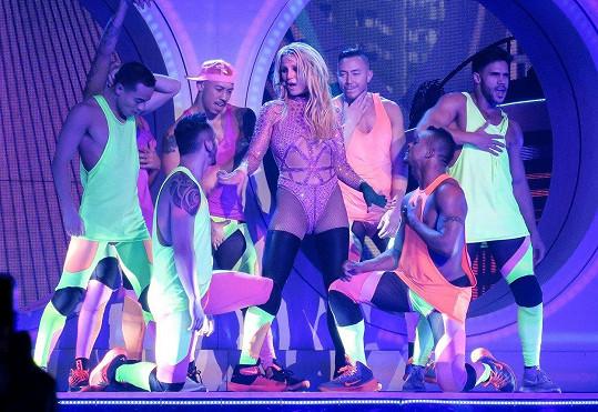 Britney Spears poděkovala celému týmu a těší se na nové pracovní nabídky.