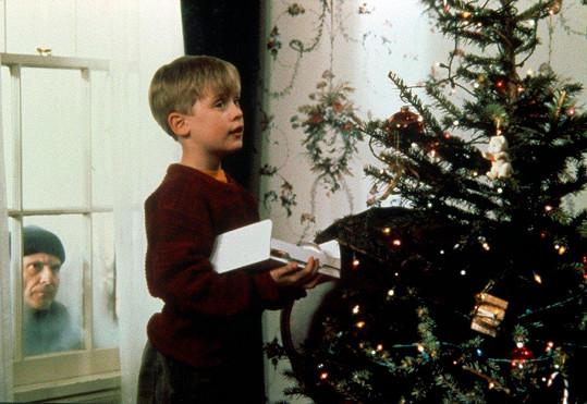 Konfrontace s Kevinem (Macaulay Culkin) pro mokrý bandity dopadla neslavně.