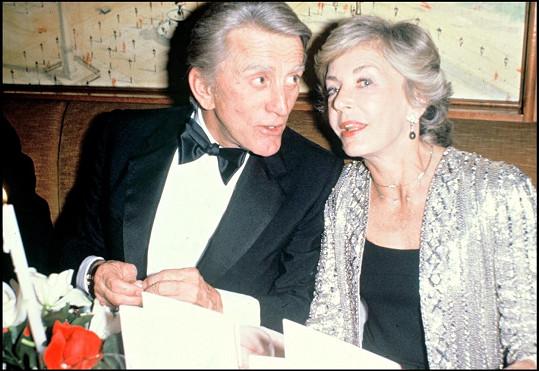 Kirk Douglas s manželkou Anne v roce 1980