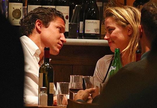 Amber s Vitem Schnabelem tvoří nový hvězdný pár.