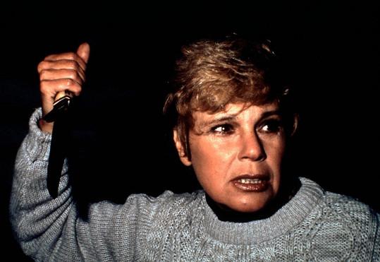 Betsy Palmer v hororu Pátek třináctého (1980)