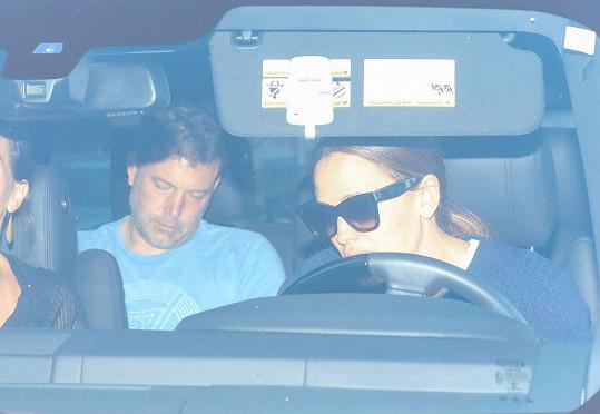 Afflecka do léčebny vezla odloučená manželka Jennifer Garner.