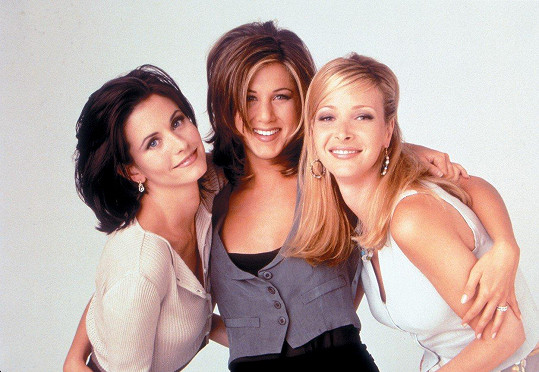 Lisa, Courteney a Jennifer Aniston jako Phoebe, Monica a Rachel z Přátel