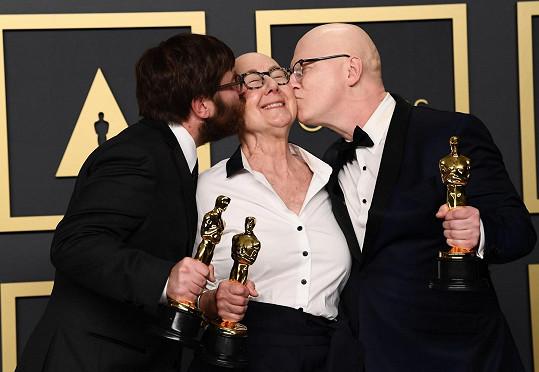 Producenti vítězného celovečerního dokumentu American Factory Steve Bognar, Julia Reichert a Jeff Reichert