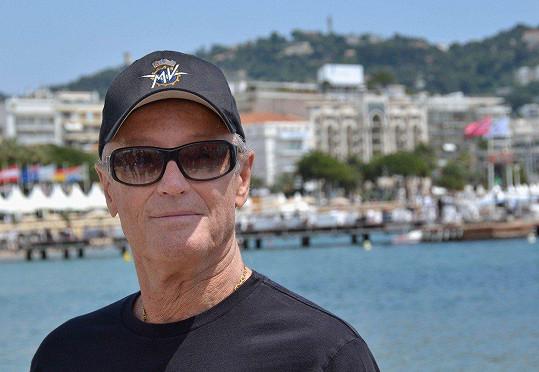 Peter Fonda zemřel na selhání plic.