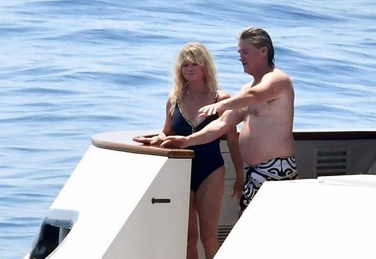 Goldie Hawn a Kurt Russell vycestovali k italskému pobřeží.