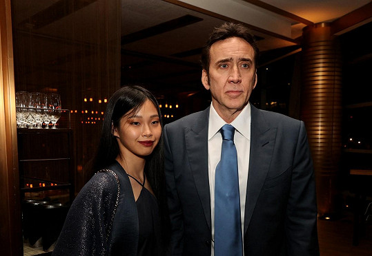 Nicolas Cage a Riko Shibata vyrazili na premiéru filmu Pig.
