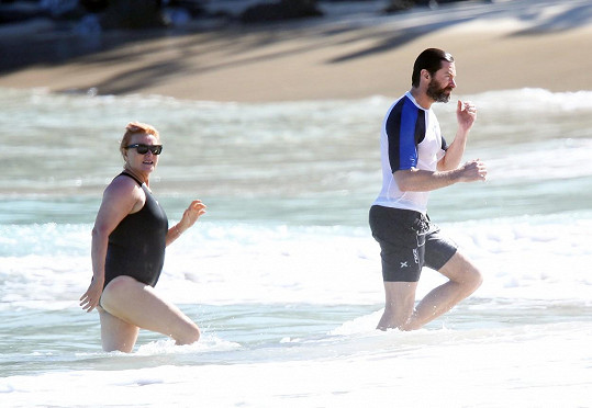 Herec s manželkou na dovolené v Karibiku letos v dubnu