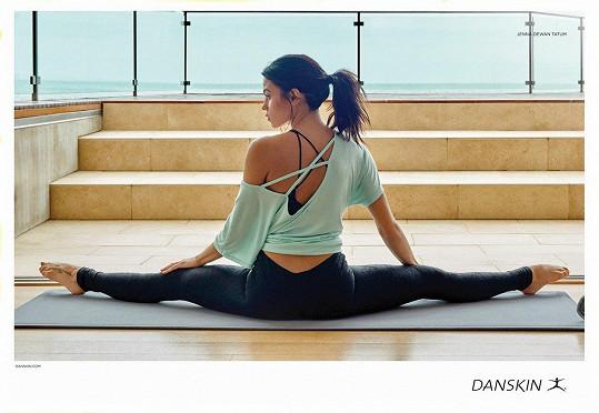 Udržuje aktivní životní styl a tím i pružné tělo.