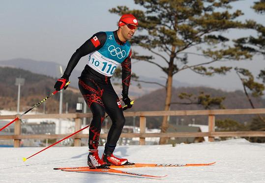 Soutěžil v běhu na lyžích.