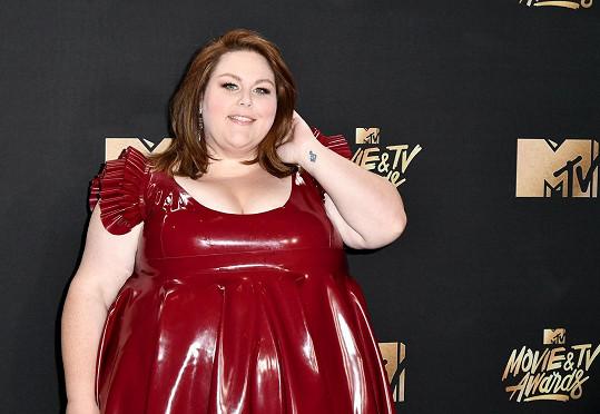 Chrissy vypadala jako kráčející šapitó.
