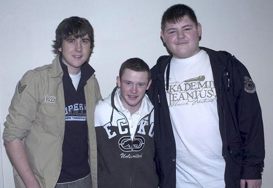 Devon se svými kolegy z Harryho Pottera Jamiem Waylettem a Matthewem Lewisem v roce 2005