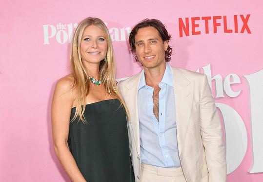 Líčení vždy používala pomálu. Na snímku s manželem Bradem Falchukem.