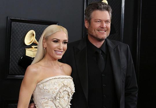 Gwen Stefani a Blake Shelton už jsou svoji.