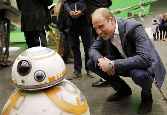 Williama zaujal robot BB-8.