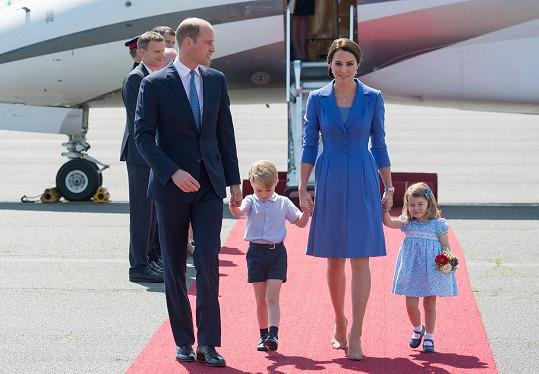 Takhle královská rodina přistála v Berlíně.