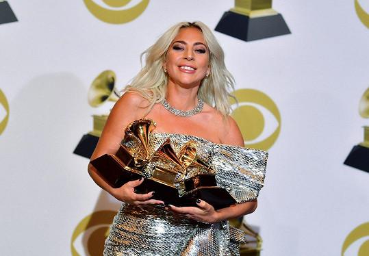 Lady Gaga si odnesla tři hudební ocenění.
