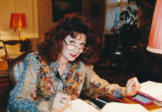 Pro svůj šarm měla mezi diváky plno obdivovatelů a chodilo jí nespočet zamilovaných dopisů.