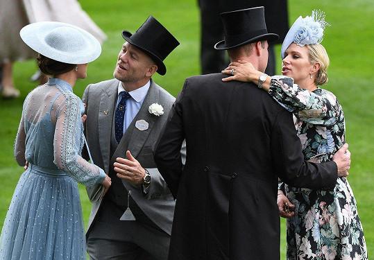 Manželé se zdraví s vévodou a vévodkyní z Cambridge.