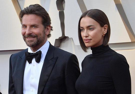 S expartnerem Bradleym Cooperem si dělí péči o dceru.