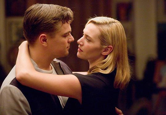 Ani Kate Winslet nebyla z líbačky s Leem ve filmu Nouzový východ nadšená.