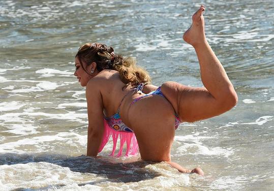 Lisa Appleton se domnívá, že je sexy.