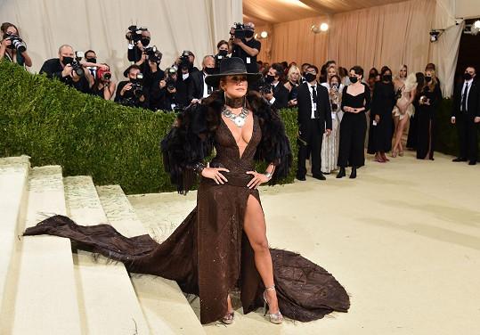Její sexy model byl inspirován westernem.