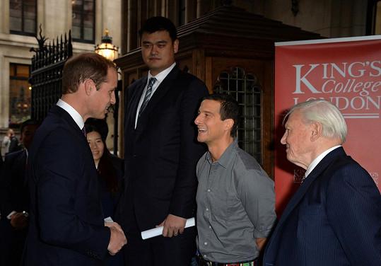 S budoucím britským králem si mohli potřást pravicí i Bear Grylls a sir David Attenborough.