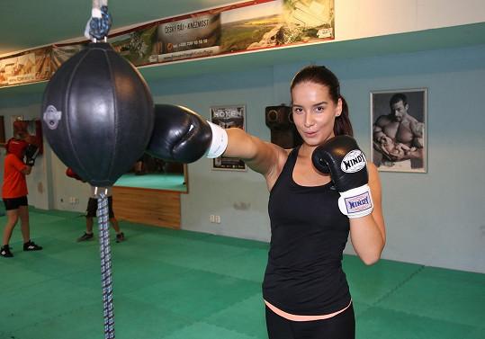 Misska Nikola Buranská pravidelně boxuje.