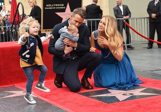 Ryan Reynolds se dočkal hvězdy na hollywoodském chodníku slávy.