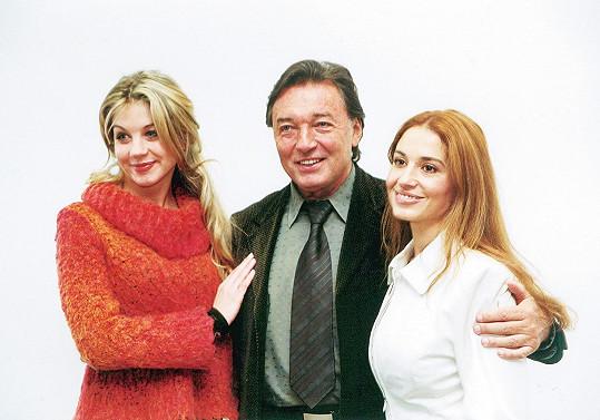 Laurinová v roce 2001 s kolegy z pohádky Z pekla štěstí 2 Michaelou Kuklovou a Karlem Gottem