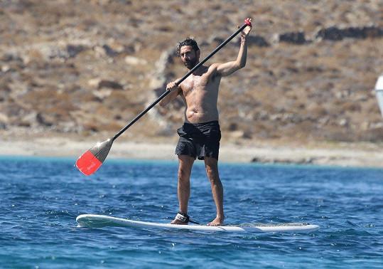 Když se manžel Jose věnuje vodním sportům...