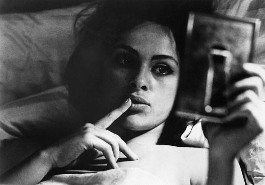 Věra Křesadlová ve filmu Intimní osvětlení (1965)