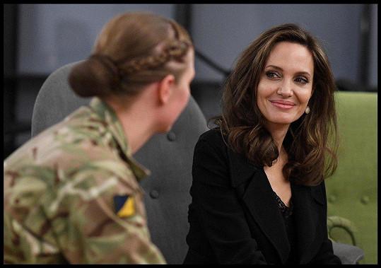 Jolie promluvila o problematice sexuálního násilí v zemích válečného konfliktu.