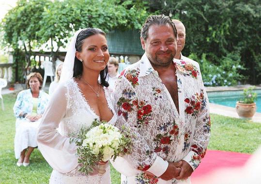 První manželství s Josefem Koktou nakonec skončilo dramaticky kvůli jeho nevěře s Ornellou.