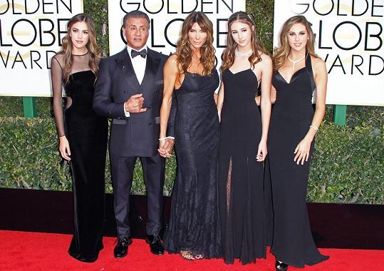 Sophia, Sylvester, Jennifer, Scarlet a Sistine na udílení Zlatých glóbů